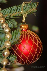 bombka na  choince, dekoracja świąteczna