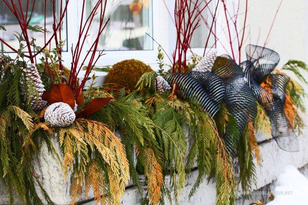 zimowa dekoracja na okno