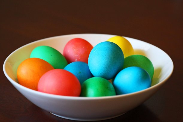 kolorowe jaja wielkanocne