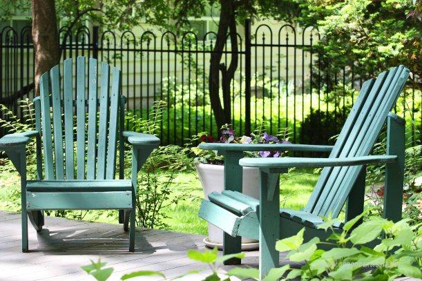 krzesła na patio